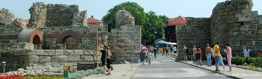 جمهورية بلغاريا Nessebur-city-wall-5
