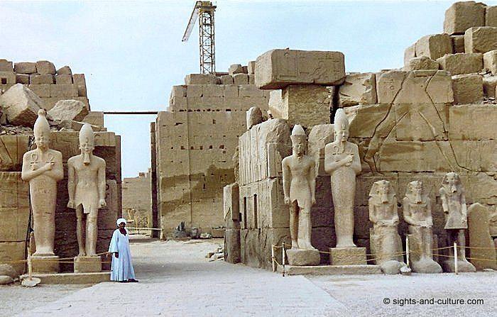 Karnak statues