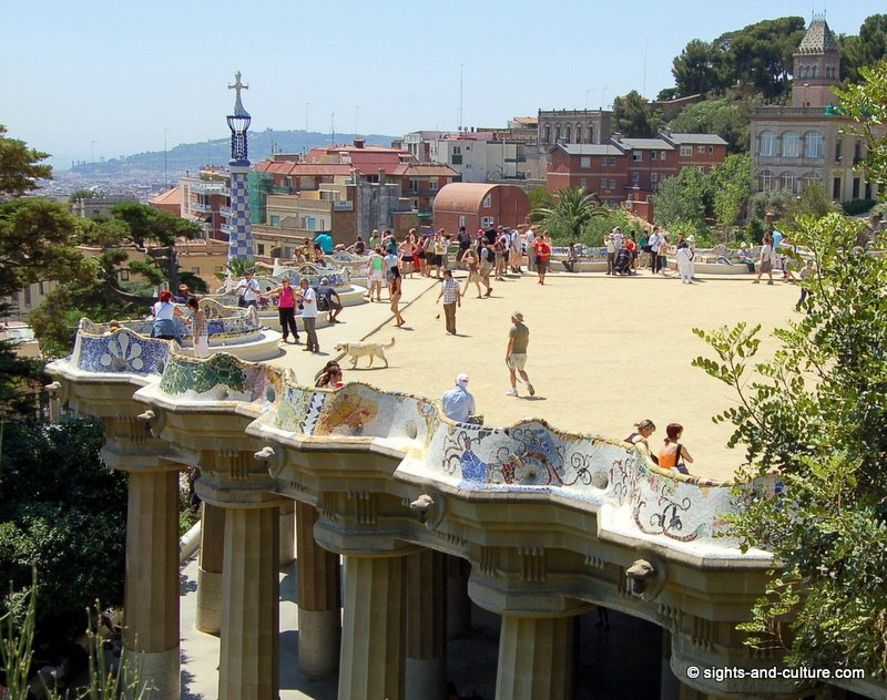 barcelona-park-guell-terrace-2908.jpg